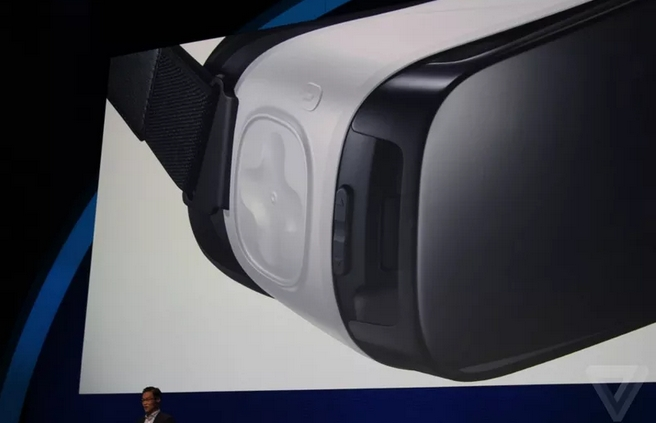 Samsungs-new-Gear-VR (2)